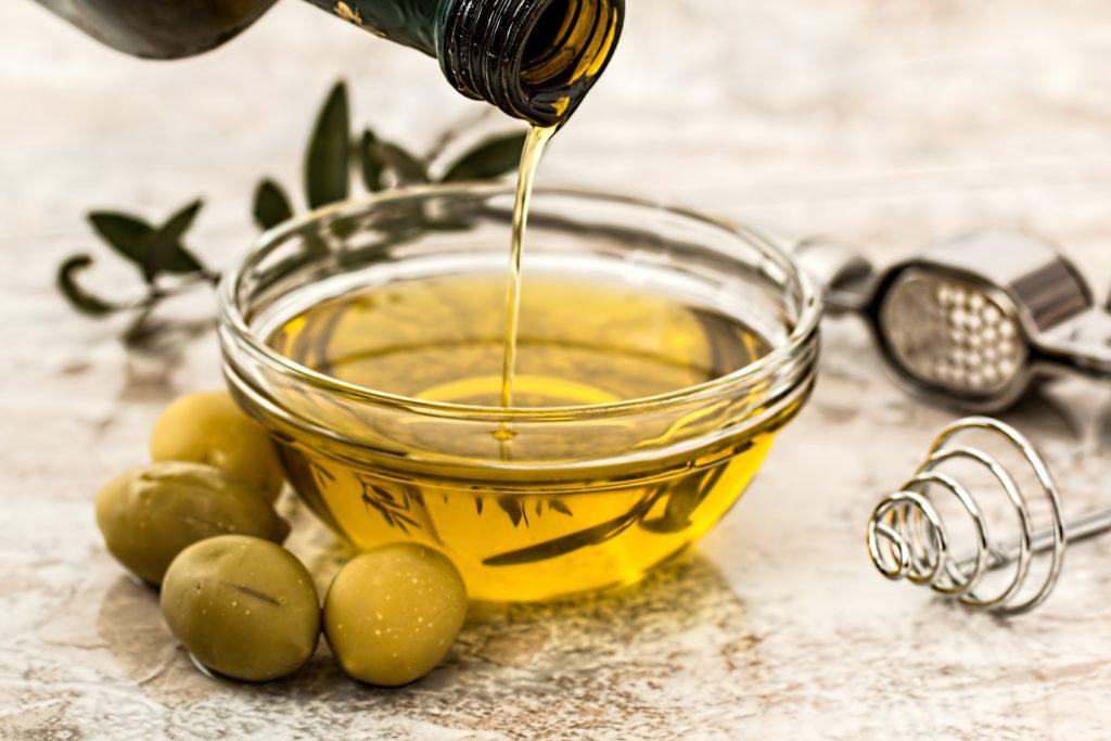 Il burro è più calorico dell'olio di oliva?